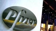 Pfizer to buy injectable drugmaker Hospira in $17-billion deal