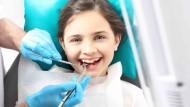 ستة طرق لجعل أطفالك يحبون الذهاب لطبيب الاسنان