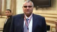 نائب يطالب بتشديد الرقابة على صناعة الدواء