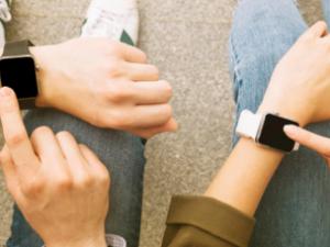 ساعة أمريكية ذكية تتنبأ بحدوث المرض قبل ظهور الأعراض